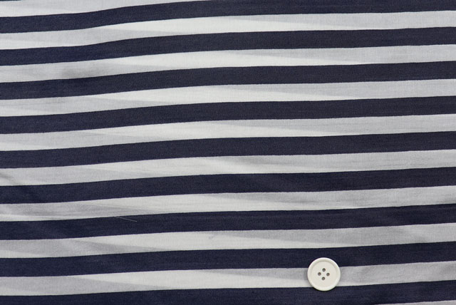 シルクキュプラボーダープリント服地 オフ白地×濃紺 【50cm単位】 (4150-94)