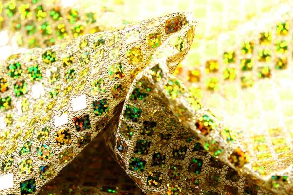 ホログラムスパンコール スクエア ゴールドラメ(黄色)×イエローホログラム
