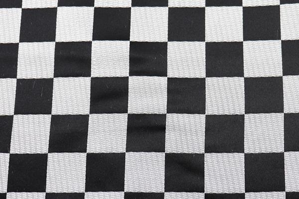 よさこいや舞台衣装に最適な 光沢感のある素材 サテンジャガード 市松格子 銀×黒
