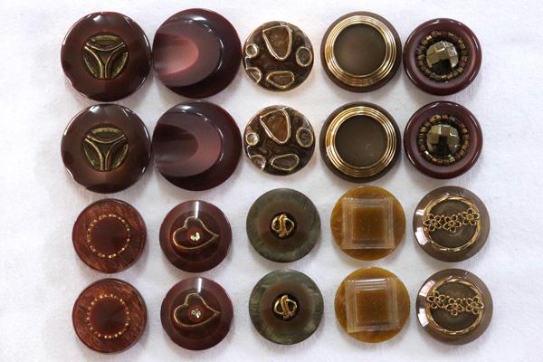 メーカー廃番品 ヴィンテージ ジルコニア入 アンティークボタン ブラウン系2 (22~38mm10組 20個)