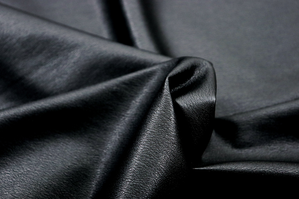 衣料にも使える高品質なソフトレザー 艶消し ブラック
