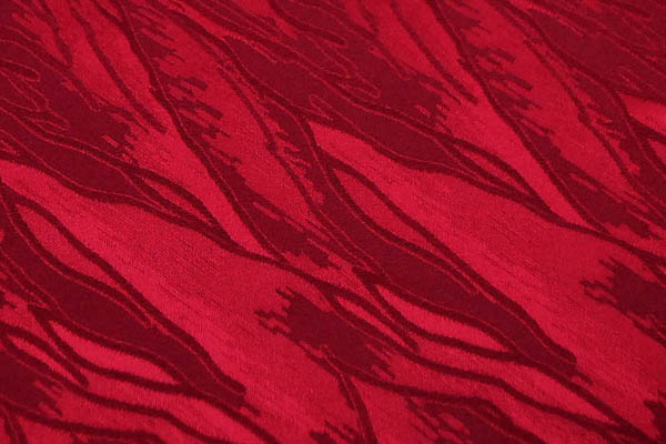 W巾のサテンジャガード 意匠柄 臙脂