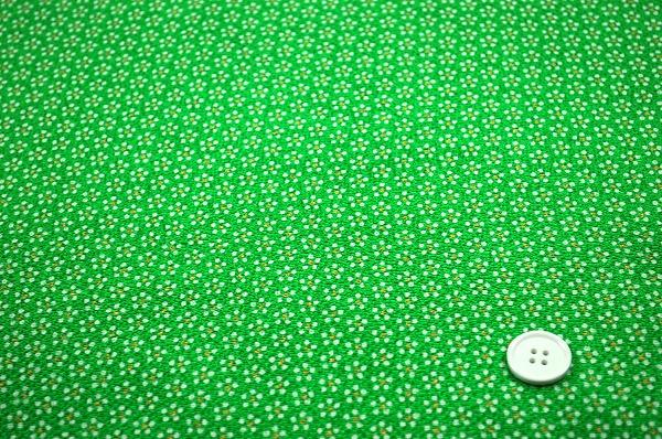梅小紋 江戸小紋柄のレーヨンちりめん生地 星梅鉢 黄緑色(0643-08)