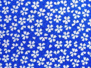 シンプルで可愛い小桜の和風生地 レーヨンちりめん生地 青色・ブルー(0643-65)