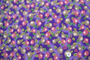 レトロなちりめん友禅 金彩生地 可愛い椿柄 つばきの和風生地 紫色地(0647-61)