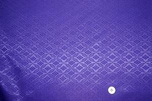 綸子 りんず 和風生地 和柄生地 着物の生地 和布(菱菊文様・紫色・パープル)(0649-35)