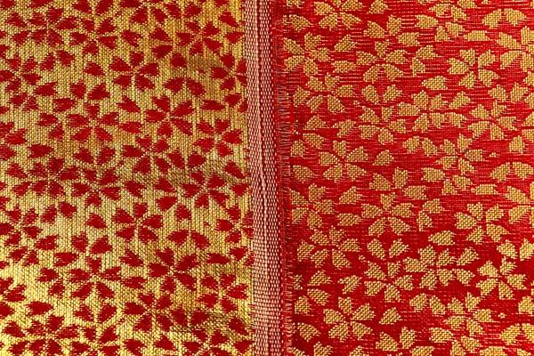金襴などの手芸材料 日本の伝統 金襴 小桜 赤地×金
