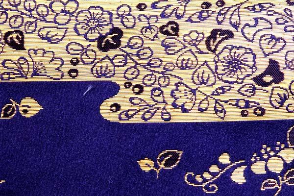 金襴などの手芸材料 日本の伝統 雲取り吹き寄せ草花 紫紺