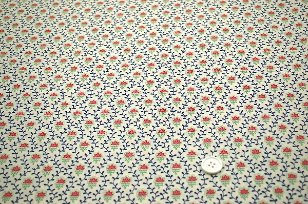 SOULEIADO ソレイアードの生地 フルール デ シャン 可愛い小花柄 クリーム色(0673-86)