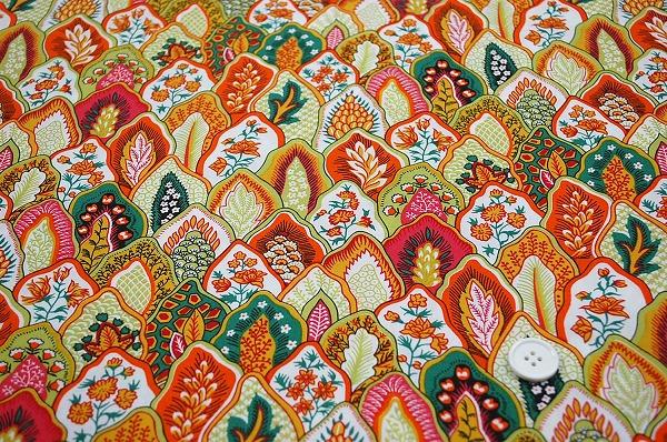 SOULEIADO ソレイアードの生地 プリュム オレンジ色・緑色(0674-02)