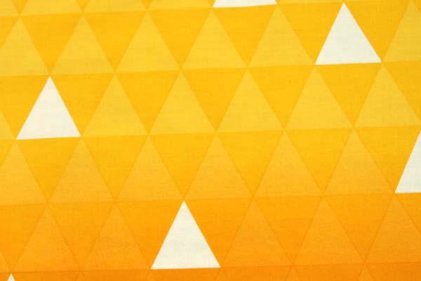 今話題の 日本の伝統柄 ブロードの三ツ鱗 黄色ーオレンジ