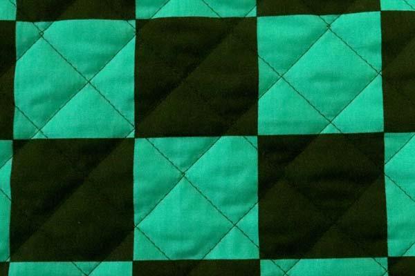 キルティング加工しました! 日本の伝統 ブロードの市松格子 黒×緑