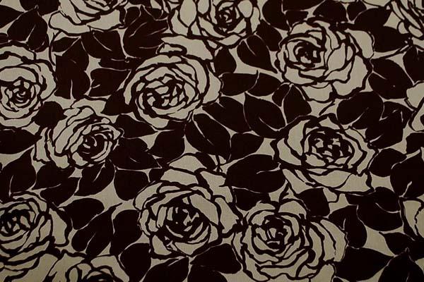 コットンツイルプリント 薔薇の柄1 ベージュ地にこげ茶 1128-02