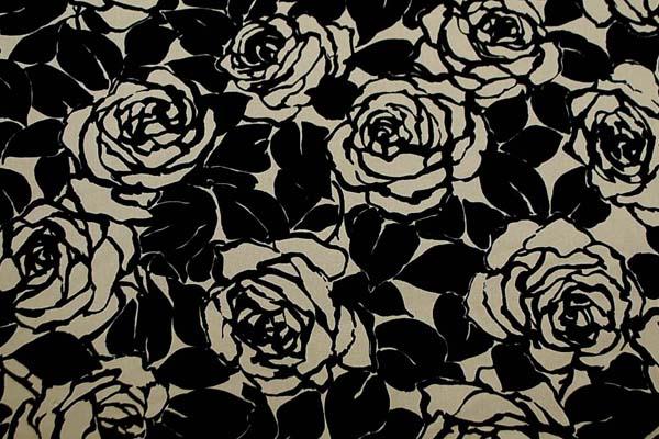 コットンツイルプリント 薔薇の柄1 ベージュ地に黒 1128-03