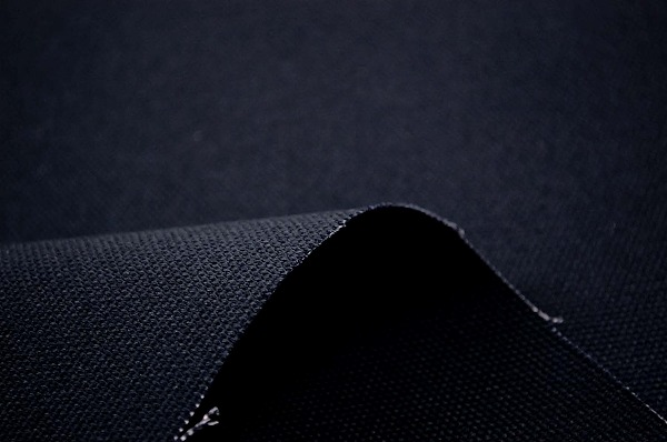11号よりやや厚手の 8号カラー帆布 紺