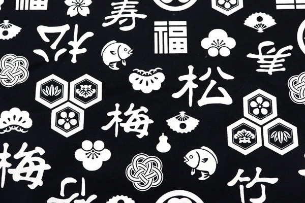 バッグなどの手芸に最適な 8号帆布 祝賀柄 黒