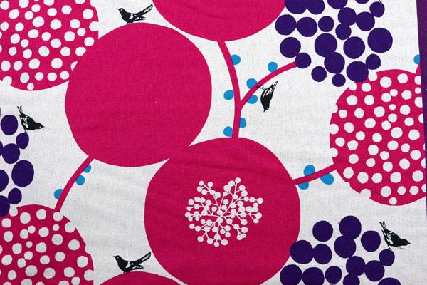 ハーフリネンキャンバス エチノ Bigberry(水玉とベリー) レッド系