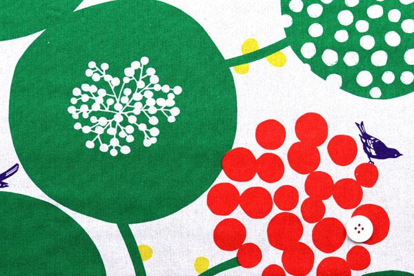 ハーフリネンキャンバス エチノ Bigberry(水玉とベリー) グリーン系