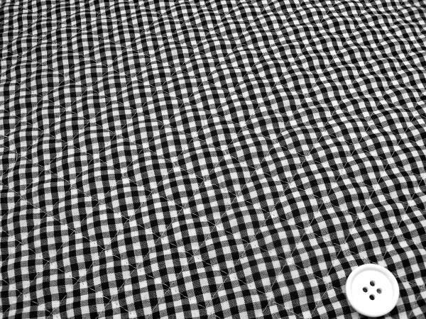 ギンガムチェックのキルティング生地(キルト生地)3mm 黒色・ブラック(白黒)(1171-65)
