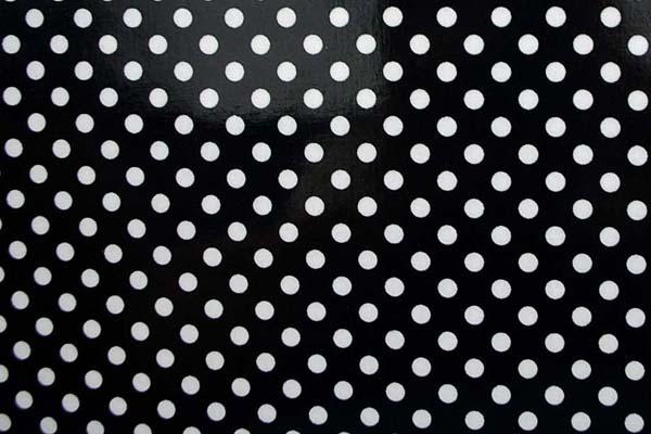 水玉のラミネート(塩化ビニールコーティングは表面のみです) 約7mm 黒