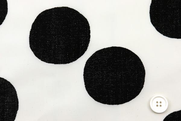 撥水加工 ナイロンオックスフォード 大きな水玉 うすベージュ地×ブラック玉