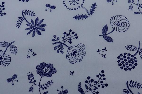 撥水加工 ナイロンオックスフォード 北欧の花 グレー地×ネイビー