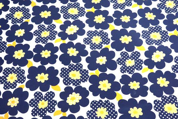 撥水加工のナイロンオックス 北欧調の花 白地に紺・黄色