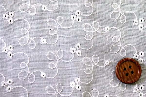 T/Cローンエンブロイダリー(刺繍)レース オフホワイト