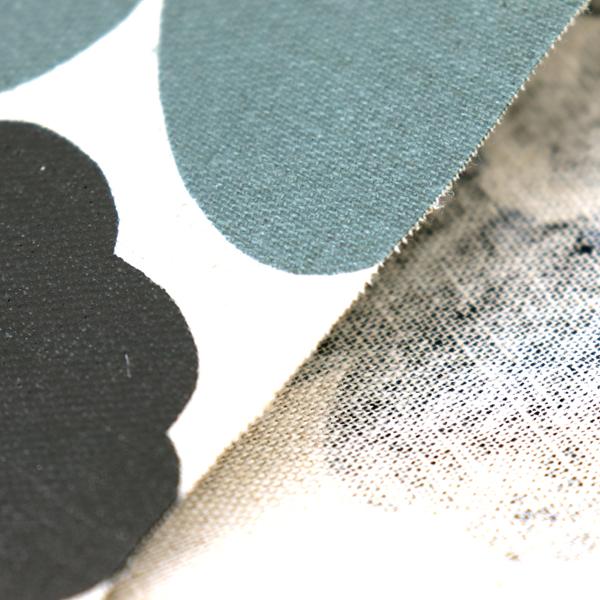 綿麻キャンバスのラミネート(塩化ビニールコーティングは表面のみです) マリメッコ調 生成地に黒