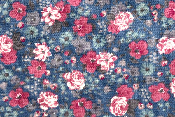 YUWAの綿麻キャンバス 小花プリント ネイビー