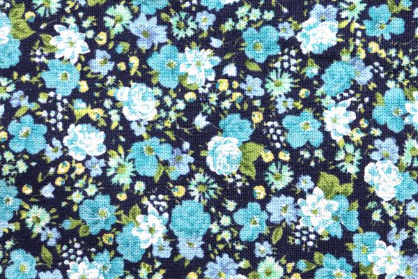 YUWAの綿麻キャンバス 小花プリント インディゴ