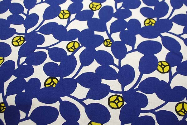 綿麻キャンバスプリント生地 花柄 生成地×インクブルー