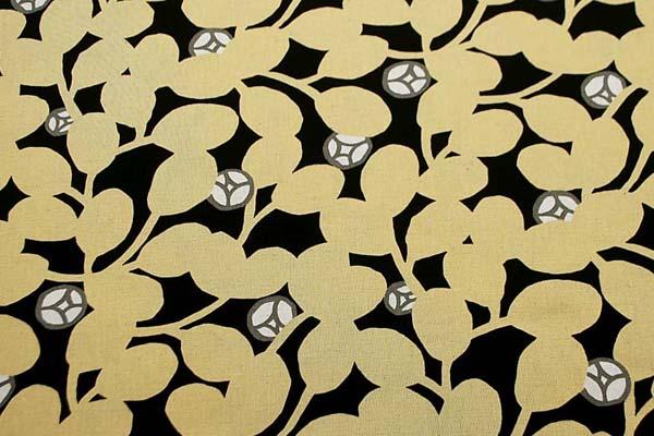 綿麻キャンバスプリント生地 花柄 黒地×からし