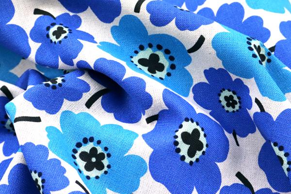 綿麻キャンバスプリント 北欧調の花柄(小) ブルー・ネイビー系
