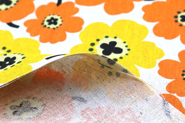 綿麻キャンバスプリント 北欧調の花柄(小) イエロー・オレンジ系