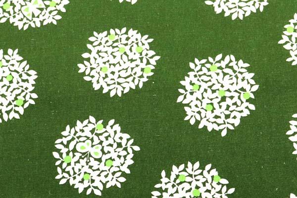綿麻キャンバスプリント 木の実の柄 モスグリーン