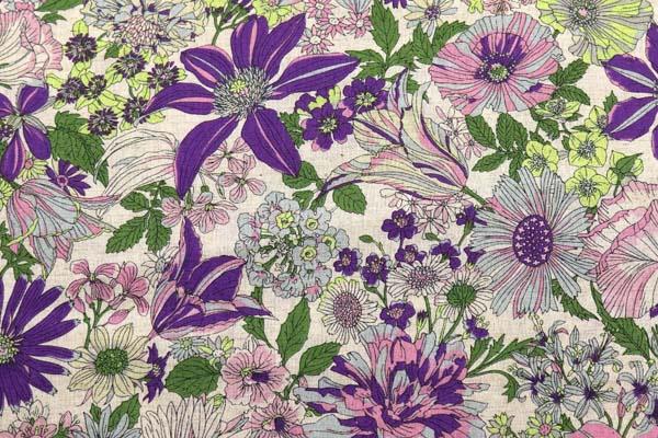 ルシアンの綿麻シャーティング メモアール・ア・パリ 生成地に紫系の花