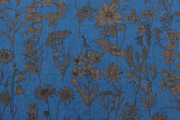 ルシアンの綿麻シャーティング メモアール・ア・パリ サファイアブルー地にセピア系の花