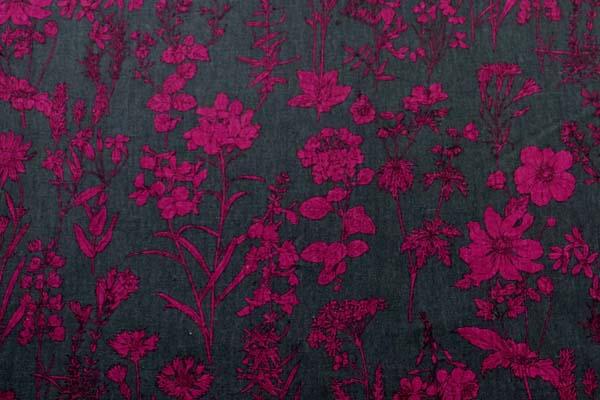 ルシアンの綿麻シャーティング メモアール・ア・パリ チャコール地にマゼンダ系の花
