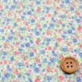 綿80ローンプリント生地 小花柄 白地×ブルー・レッド (4137-45)