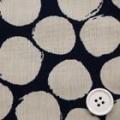 イタリア製風通織り服地 変わり水玉柄 濃紺×うすベージュ  【お値打ち品】 【50cm販売】  (4141-90)