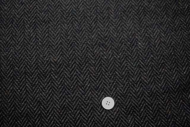 ヘリンボーンツイード服地 濃いグレイ(黒×濃いグレイ)  《値下げ》  (4143-89)