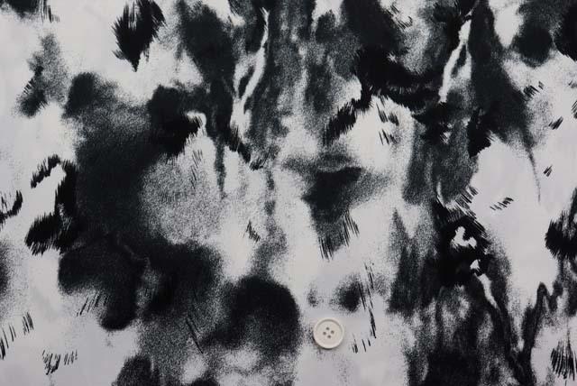 サテンプリント服地 白×黒 《値打ち品》 (4144-71)