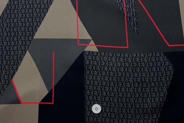 ジョーゼットプリント服地 幾何柄 黒地 《値打ち品》 (4144-77)