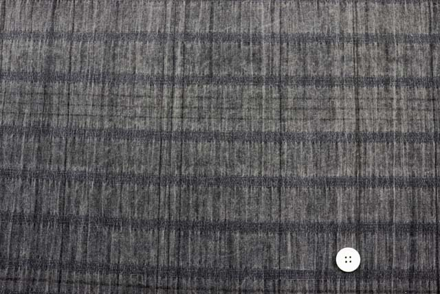 綿麻サッカーチェックボーダー服地 グレイ 【50cm販売】 《お値打ちです》  (4144-94)