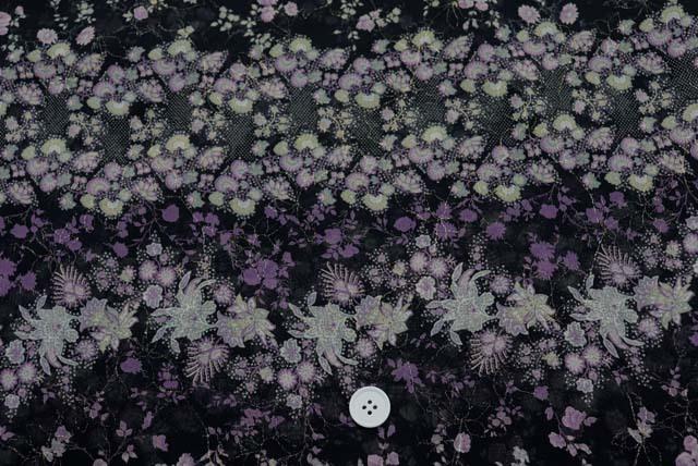 ジョーゼット刺しゅうプリント服地 更紗花柄 黒 【50cm単位】 (4145-26)