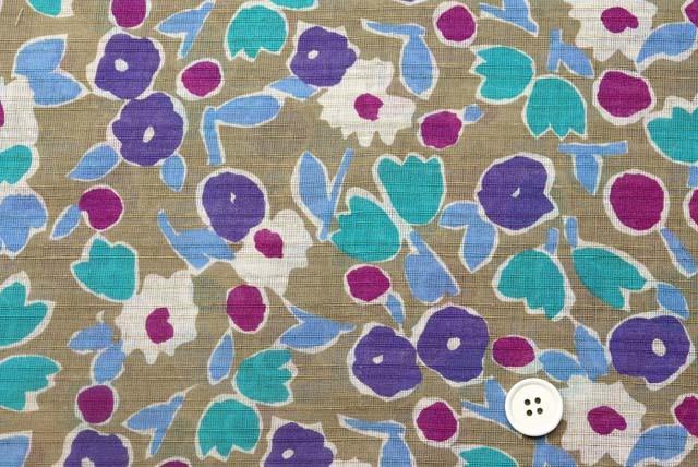綿麻ヨコからみプリント服地 マリメッコ調 ベージュ地×生成り・紫 【50cm単位】 (4146-92)