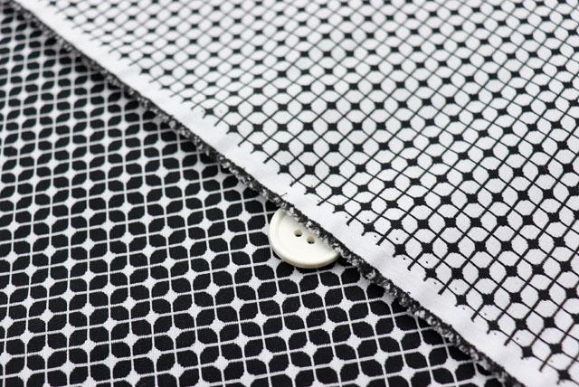 風通織り服地 白×黒 【50cm単位】 (4150-10)