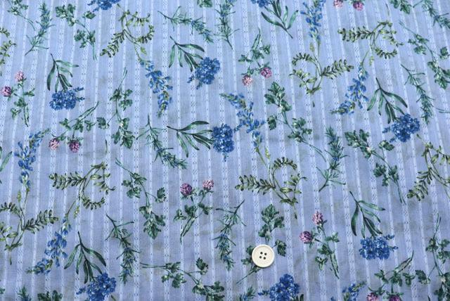 ドビーストライプ花柄プリント生地  ライトラベンダー地×青・ラベンダー (4151-20)