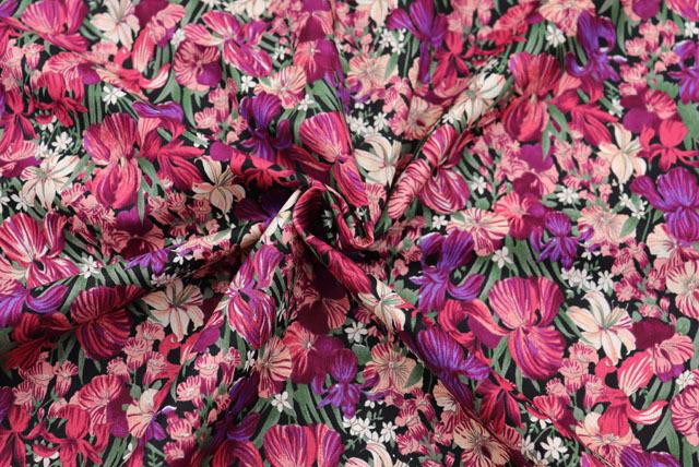 コットン80ローンプリント生地  花柄 黒地×紫・エンジ (4151-28)